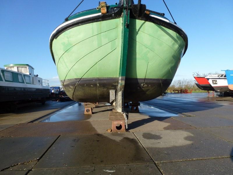 Onderwaterschip met boegschroef