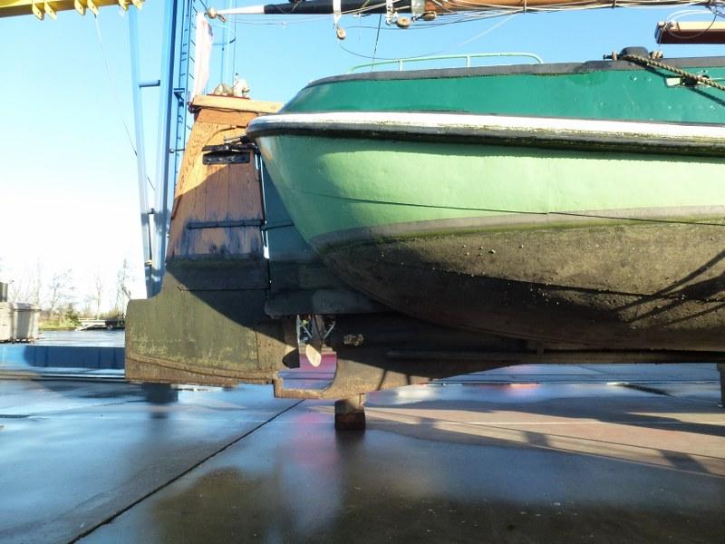 Onderwaterschip met schroef