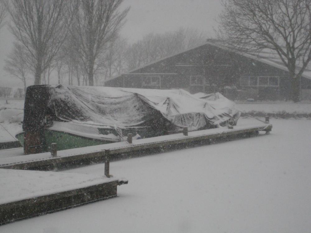 Winterberging (onder de sneeuw) in Koudum